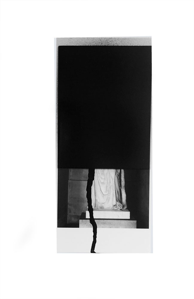 Figure # 01 - Behind the Glass Blood Flows, 2018